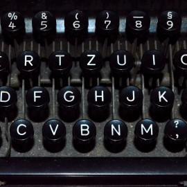 typewriter-1782018_1920